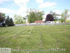 Lot 2 Laurelwood Drive, Lansing, MI 48917 (MLS #233006) :: Real Home Pros