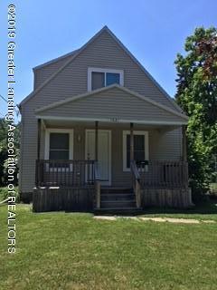 1621 Robertson Avenue, Lansing, MI 48915 (MLS #233133) :: Real Home Pros