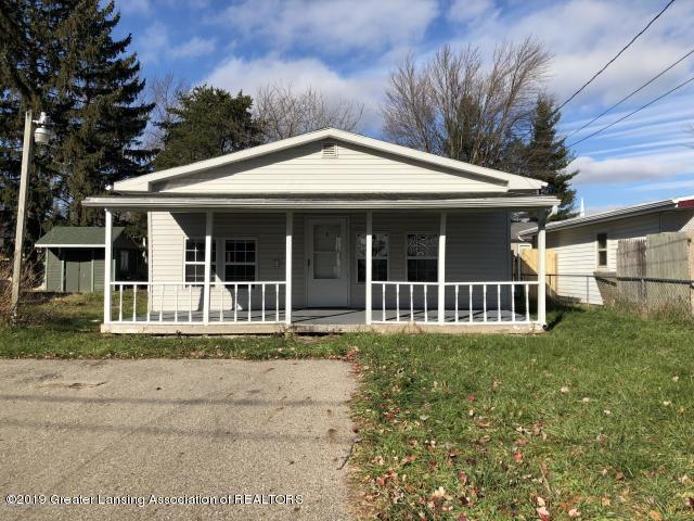 5813 Outer Drive, Bath, MI 48808 (MLS #234171) :: Real Home Pros