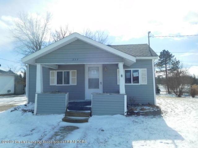 335 W Knight Street, Eaton Rapids, MI 48827 (MLS #234258) :: Real Home Pros