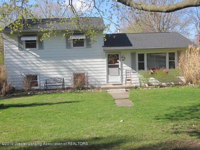 705 Inverness Street, Eaton Rapids, MI 48827 (MLS #236077) :: Real Home Pros