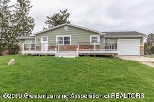 9075 E Round Lake Road, Laingsburg, MI 48848 (MLS #237708) :: Real Home Pros