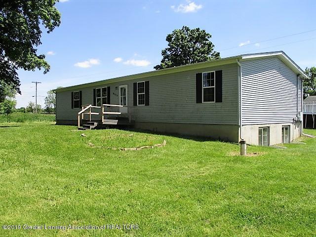 8144 Columbia Highway, Eaton Rapids, MI 48827 (MLS #237775) :: Real Home Pros