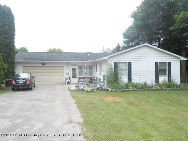 827 N Stewart Road, Charlotte, MI 48813 (MLS #238918) :: Real Home Pros