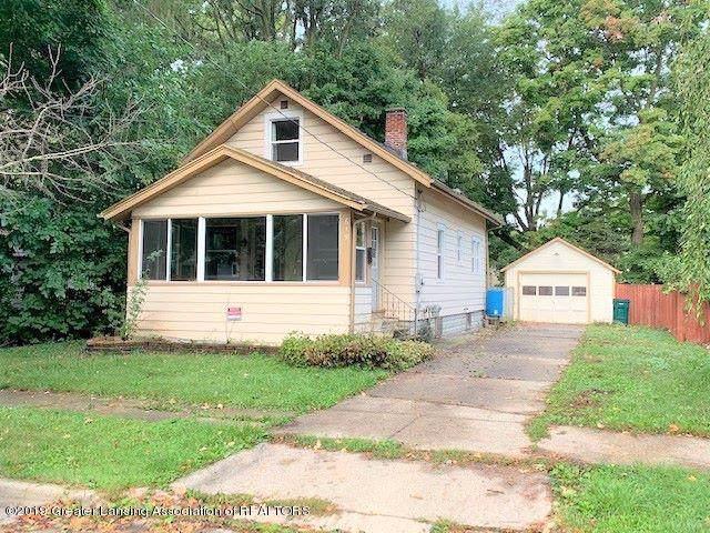 619 N Foster Avenue, Lansing, MI 48912 (MLS #241114) :: Real Home Pros