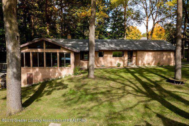 405 W Front Street, Grand Ledge, MI 48837 (MLS #241928) :: Real Home Pros