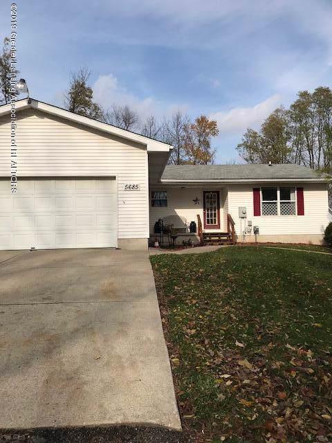 5685 Lansing Road, Charlotte, MI 48813 (MLS #242295) :: Real Home Pros