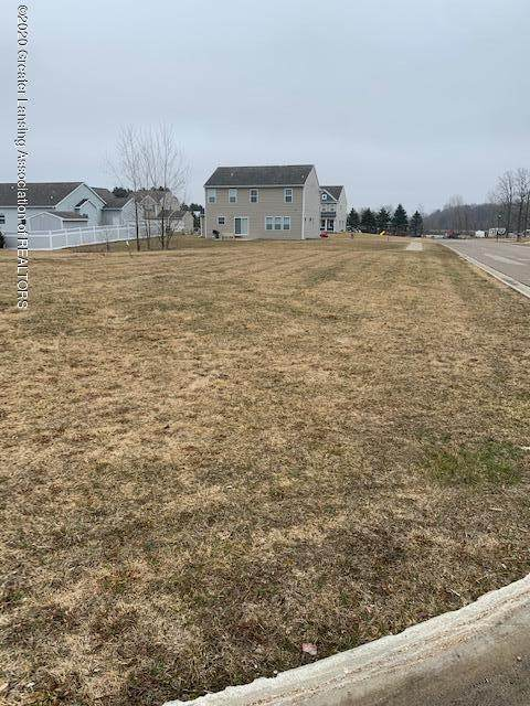 1868 Crossroads Drive, Holt, MI 48842 (MLS #245026) :: Real Home Pros