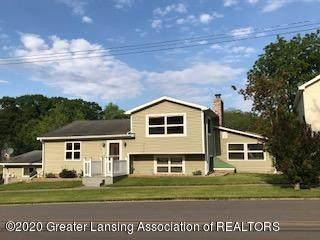 220 N Maple Avenue, Maple Rapids, MI 48853 (MLS #246858) :: Real Home Pros