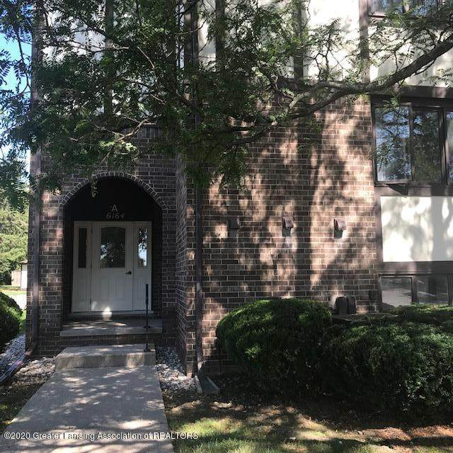 6164 Cobblers Drive #103, East Lansing, MI 48823 (MLS #247538) :: Real Home Pros