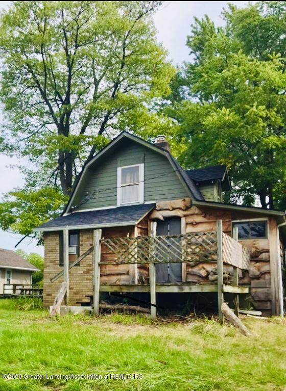 5905 Hickory Hill Drive, Laingsburg, MI 48848 (MLS #249305) :: Real Home Pros
