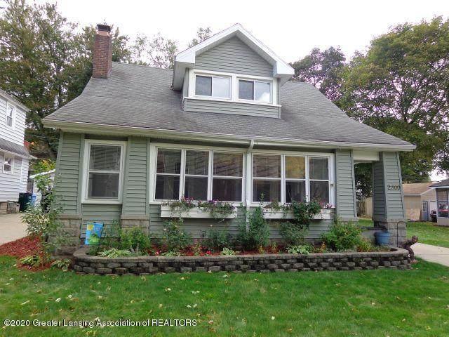 2300 Strathmore Road, Lansing, MI 48910 (MLS #250243) :: Real Home Pros