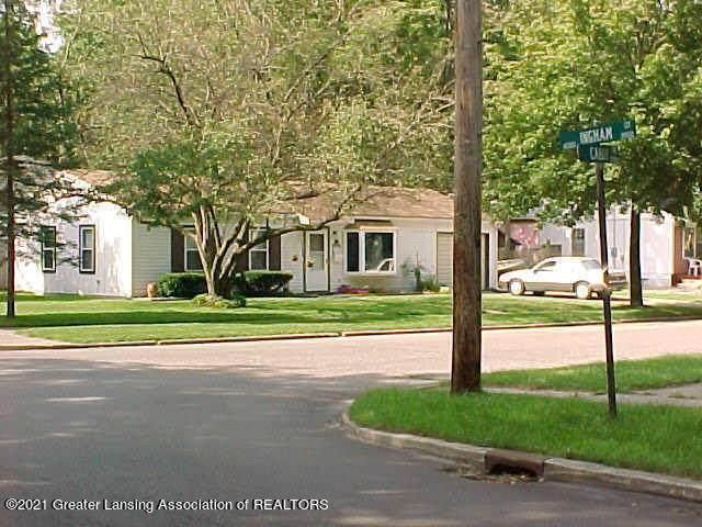 2705 Cabot Drive, Lansing, MI 48911 (MLS #252552) :: Real Home Pros
