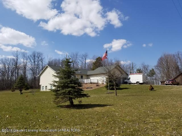 6552 Tucker Road, Eaton Rapids, MI 48827 (MLS #226269) :: PreviewProperties.com