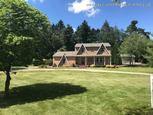 5684 Forest Green Drive, Perry, MI 48872 (MLS #227156) :: Real Home Pros