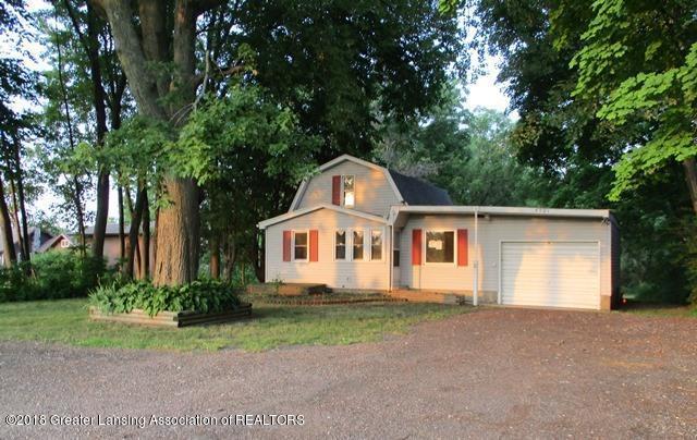 5501 S Washington Avenue, Lansing, MI 48911 (MLS #228296) :: Real Home Pros