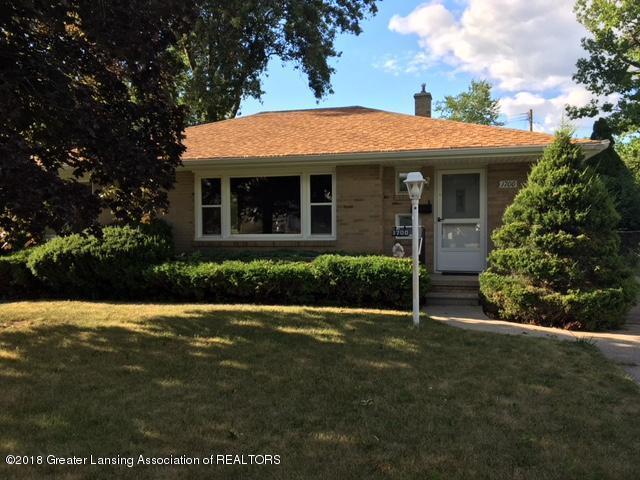 1700 Holly Way, Lansing, MI 48910 (MLS #228565) :: Real Home Pros