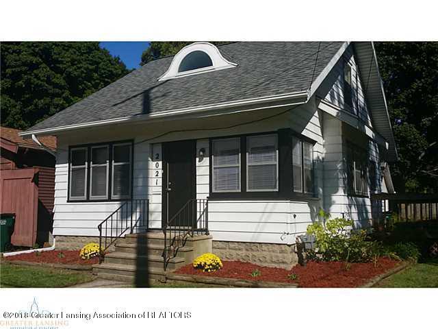 2021 Lyons Avenue, Lansing, MI 48910 (MLS #228975) :: Real Home Pros