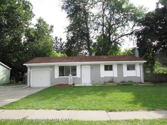 3825 Sumpter Street, Lansing, MI 48911 (MLS #230517) :: Real Home Pros