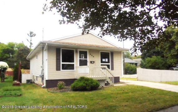 906 W Barnes Avenue, Lansing, MI 48906 (MLS #230638) :: Real Home Pros