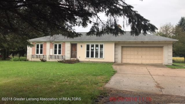 2650 E Clinton Trail, Charlotte, MI 48813 (MLS #230806) :: Real Home Pros