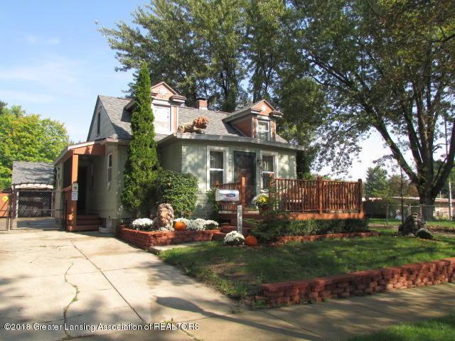 613 Fenton Street, Lansing, MI 48910 (MLS #231199) :: Real Home Pros