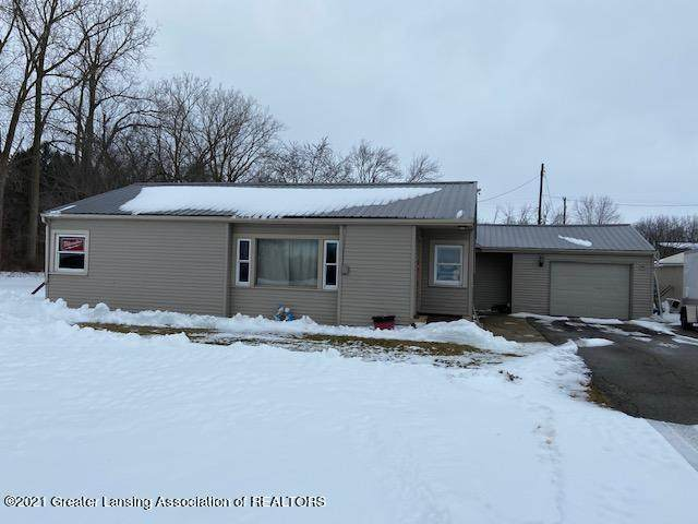 1443 Wildcat Road, St. Johns, MI 48879 (MLS #253190) :: Real Home Pros