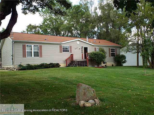 658 W Vermontville Highway, Potterville, MI 48876 (MLS #241505) :: Real Home Pros