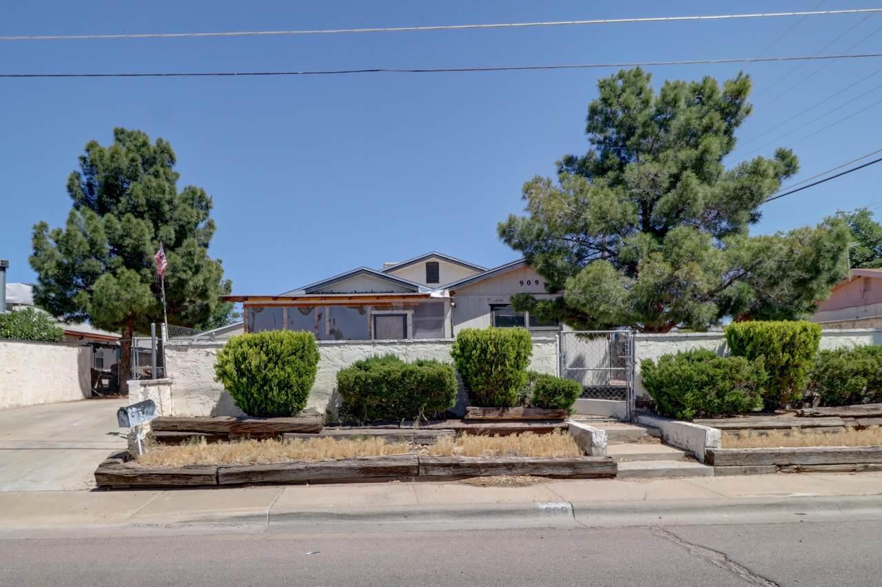 909 Arizona Avenue - Photo 1