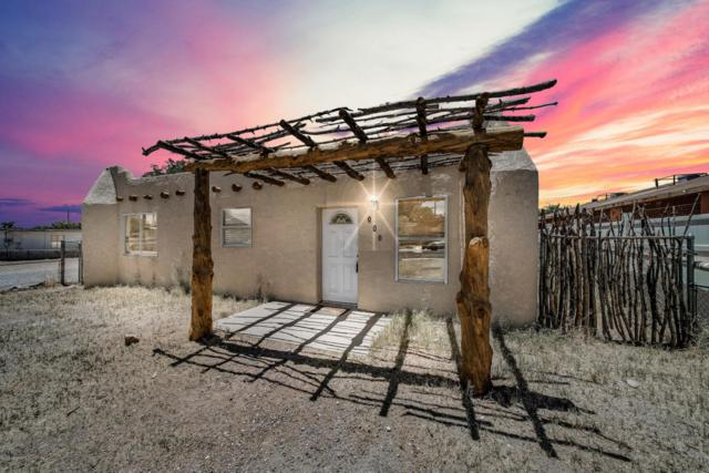 906 Mimbres Street, Las Cruces, NM 88001 (MLS #1806626) :: Steinborn & Associates Real Estate