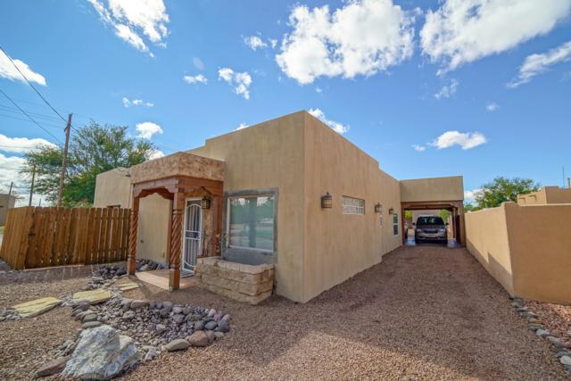 2880 Calle Quinta, Las Cruces, NM 88005 (MLS #1807872) :: Steinborn & Associates Real Estate