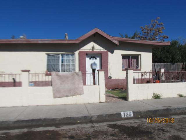 725 E Lucero Avenue, Las Cruces, NM 88001 (MLS #1807877) :: Austin Tharp Team