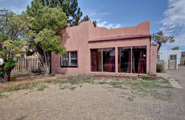 1048 Mcfie Avenue, Las Cruces, NM 88005 (MLS #1900980) :: Steinborn & Associates Real Estate