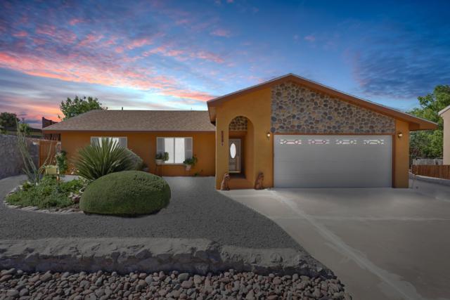 719 Homestead Circle, Las Cruces, NM 88011 (MLS #1901118) :: Arising Group Real Estate Associates