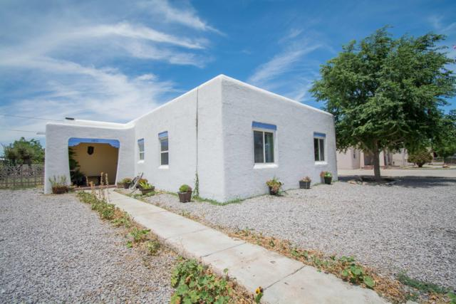 1011 N Melendres Street, Las Cruces, NM 88005 (MLS #1902012) :: Steinborn & Associates Real Estate