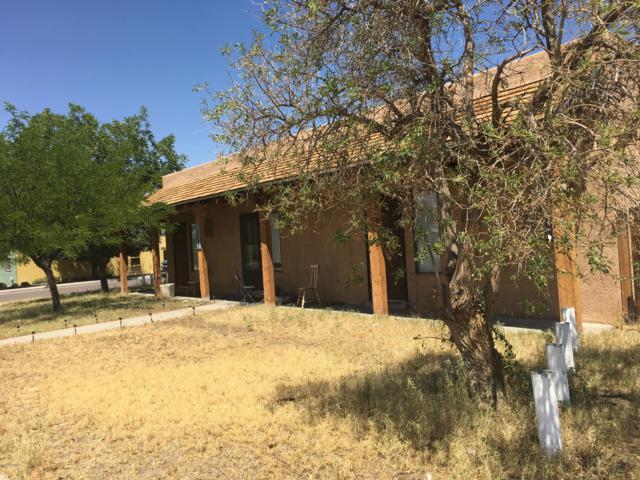 1201 E Court Avenue, Las Cruces, NM 88001 (MLS #1902274) :: Steinborn & Associates Real Estate