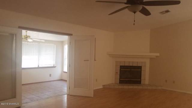973 Rio Bravo Way, Las Cruces, NM 88007 (MLS #1902666) :: Steinborn & Associates Real Estate