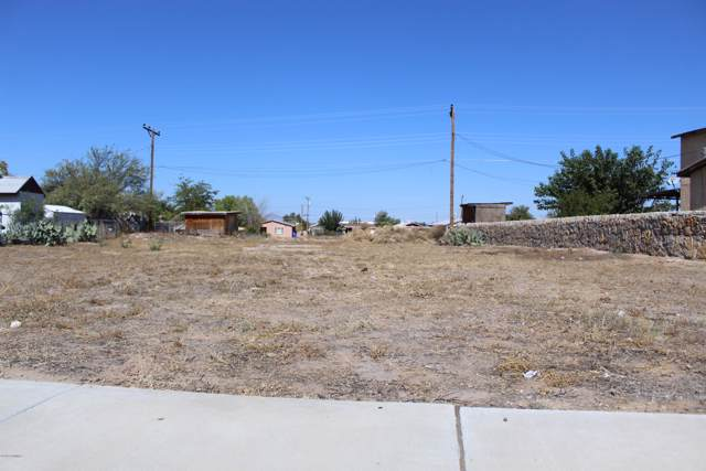 000 East Picacho Avenue, Las Cruces, NM 88001 (MLS #1902988) :: Steinborn & Associates Real Estate