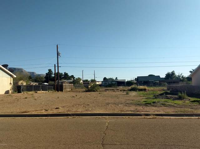 810 Larkspur Avenue, Alamogordo, NM 88310 (MLS #1903035) :: Better Homes and Gardens Real Estate - Steinborn & Associates