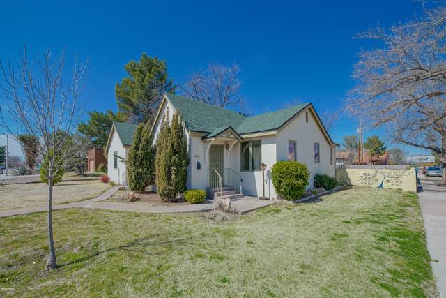 502 W Hadley Avenue, Las Cruces, NM 88005 (MLS #2000742) :: Better Homes and Gardens Real Estate - Steinborn & Associates