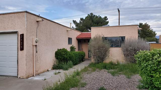 2028 Chateau Drive, Las Cruces, NM 88005 (MLS #2000964) :: Better Homes and Gardens Real Estate - Steinborn & Associates