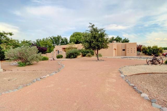 2121 Salida Del Sol Court, Las Cruces, NM 88005 (MLS #2002015) :: Better Homes and Gardens Real Estate - Steinborn & Associates