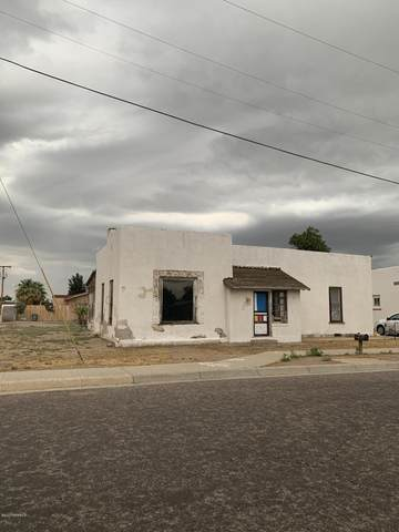 724 Court Avenue, Las Cruces, NM 88005 (MLS #2002050) :: Better Homes and Gardens Real Estate - Steinborn & Associates