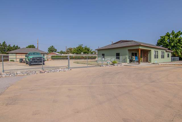 1242 Barker Road, Las Cruces, NM 88005 (MLS #2002637) :: Better Homes and Gardens Real Estate - Steinborn & Associates