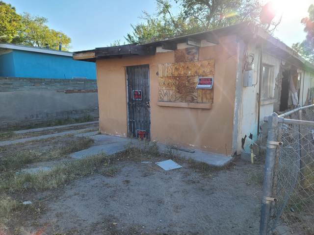 819 N Tornillo Street, Las Cruces, NM 88001 (MLS #2002925) :: Better Homes and Gardens Real Estate - Steinborn & Associates