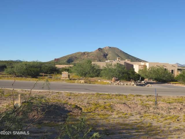 7045 Calle Estancias, Las Cruces, NM 88007 (MLS #2100082) :: Better Homes and Gardens Real Estate - Steinborn & Associates