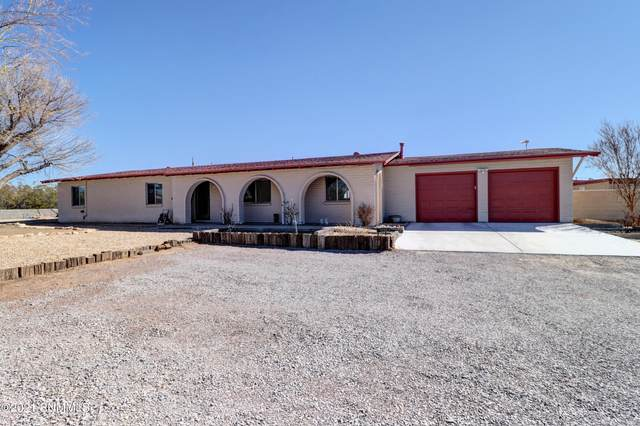 4020 Senna Drive, Las Cruces, NM 88011 (MLS #2100621) :: Better Homes and Gardens Real Estate - Steinborn & Associates