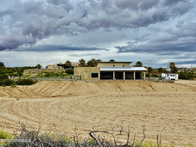 885 Supreme Court, Las Cruces, NM 88007 (MLS #2100841) :: Better Homes and Gardens Real Estate - Steinborn & Associates