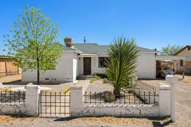 1305 Lyles Road, Las Cruces, NM 88007 (MLS #2101158) :: Better Homes and Gardens Real Estate - Steinborn & Associates