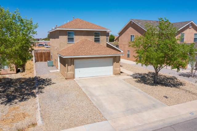 4895 Calle Bella Avenue, Las Cruces, NM 88012 (MLS #2101159) :: Better Homes and Gardens Real Estate - Steinborn & Associates